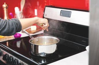 descubre los peligros en la cocina y como evitarlos